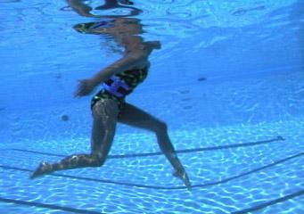Ejercicios en piscina para la retroespondilolistesis de for Ejercicios piscina espalda